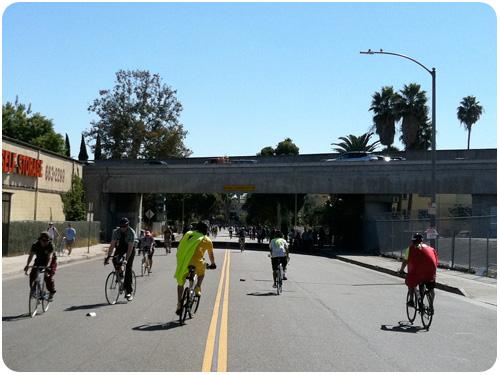 cars + bikes, ciclavia2011